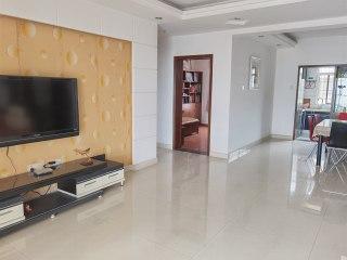 3室2厅2卫132m²精装修