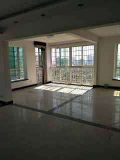 华信大厦3室2厅2卫3600元/月150.2m²精装修出租