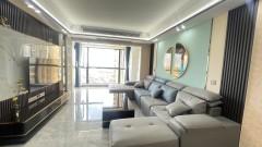 品质小区!3室2厅2卫119m²朝向采光好 一线湖景房