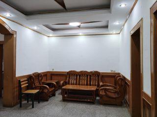 3室2厅1卫1500元/月102m²简单装修出租