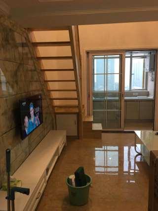 2室1厅1卫1800元/月80m²豪华装修出租