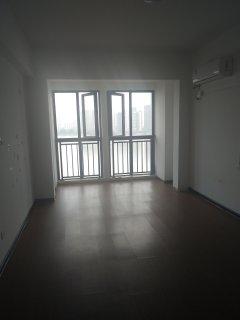 老西门南区 4室 2厅 2卫